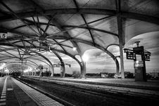 Free Grayscale Architectural Photography Of Empty Train Station Stock Images - 109885584