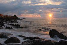 Free Rocks On Seashore During Sunset Stock Images - 109885734