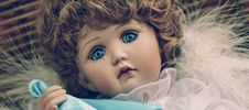 Free Brown Haired Female Doll Royalty Free Stock Photography - 109885737