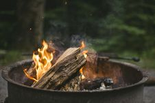 Free Beige Wood Putted On Fire Stock Photo - 109886060