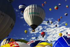 Free Gray And White Hot Air Balloon Royalty Free Stock Image - 109886126