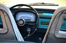 Free Black Car Steering Wheel Royalty Free Stock Photo - 109886145