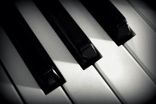 Free Close Up Photo Of Piano Keys Stock Images - 109886314
