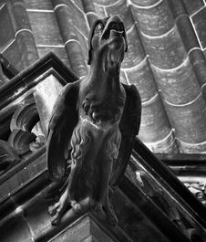 Free Grayscale Representation Of A Bird Statue Royalty Free Stock Photography - 109886327