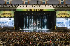Free Audience, Band, Concert Stock Photo - 109886380