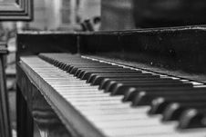 Free Close Up Shot Of Upright Piano Grayscale Photo Royalty Free Stock Photography - 109886447
