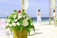 Free Beach, Wedding, Bouquet Royalty Free Stock Photo - 109886535
