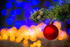 Free Red Baubles On Christmas Tree Stock Photo - 109886910
