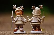 Free Beige And Brown Boy Skiing Figurine Stock Photography - 109887752