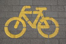 Free Bicycle Lane On Gray Concrete Road Royalty Free Stock Image - 109887926