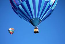 Free Blue And Teal Hot Air Balloon Near Pink And Blue Hot Air Balloon Royalty Free Stock Images - 109888039