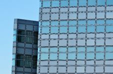 Free High Rise Building Under Clear Blue Sky Royalty Free Stock Photos - 109888088