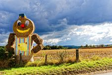 Free Ginger Bread Hay Themed Under Blue Cloudy Sky During Day Time Stock Images - 109888774