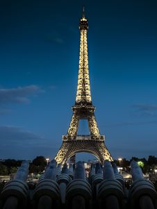 Free Eiffel Tower Stock Photography - 109888822