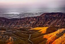 Free Brown Mountain Range Under White Sky During Daytime Stock Photos - 109888973