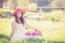 Free Portrait Of A Beautiful Young Woman In Field Stock Photos - 109889443