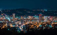 Free City Lit Up At Night Royalty Free Stock Photo - 109890005