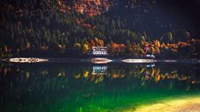 Free Reflection Of Trees In Lake Stock Photos - 109892683