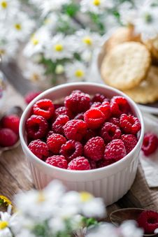 Free Close-up Of Strawberries In Bowl Stock Photography - 109892822