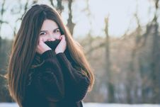 Free Portrait Of Young Woman In Winter Stock Images - 109893044