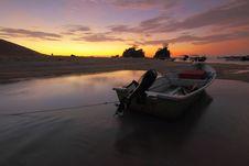 Free Boats, Dawn, Dusk Royalty Free Stock Photo - 109896115