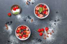 Free Berries, Blueberries, Bowls Royalty Free Stock Photo - 109899495