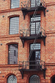 Free Brick Building With Stairs Stock Photo - 109902860