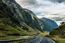 Free Asphalt, Clouds, Curve Royalty Free Stock Photography - 109903787