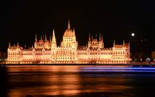 Free Illuminated Castle At Night Stock Photo - 109903890
