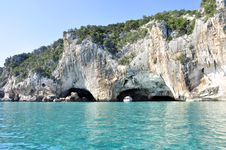 Free Boat, Cave, Daylight Royalty Free Stock Images - 109904209