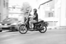 Free Woman Riding On Scooter Motorcycle Royalty Free Stock Photos - 109904358