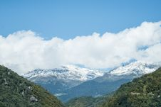 Free Aerial Image Of Mountain Covered By Snow Stock Photography - 109904572