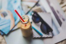Free Bottle With Yellow Yogurt Stock Photography - 109904682