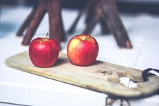 Free Two Apples On The Board Stock Photos - 109905063