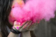 Free Shallow Focus Photograph Of Woman Blowing Pink Powder Stock Photography - 109905532