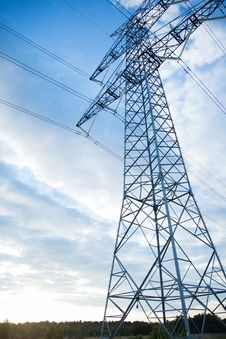 Free Gray Transmission Line Under Blue Sky At Daytime Royalty Free Stock Photography - 109905687