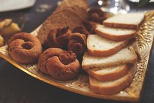 Free Bagels And Bread Stock Photo - 109906210