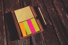Free Reminder Sticky Notes Stock Photo - 109906230