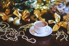 Free Coffee In White Cup. Christmas Time. Royalty Free Stock Photos - 109906598