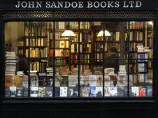 Free Books, Bookshop, Bookstore Royalty Free Stock Photos - 109907038