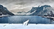 Free Dock Covered With Snow Near Lake Royalty Free Stock Photography - 109907087
