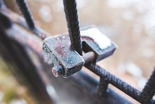 Free Rusty Padlock Covered With Hoarfrost Ice Crystals Stock Photos - 109907113
