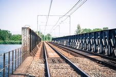 Free Vacant Train Track Bridge Royalty Free Stock Photography - 109907347