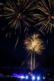 Free Fireworks Display Royalty Free Stock Photo - 109907435
