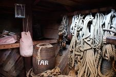 Free Wooden Barrel And Ropes Royalty Free Stock Photo - 109907535