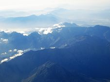 Free Aerial Shot Of Mountain Royalty Free Stock Photos - 109907628