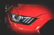 Free Red Car Head Light Royalty Free Stock Images - 109908199