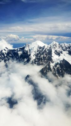 Free Aerial View Of Mountain With Snow Royalty Free Stock Photos - 109908268