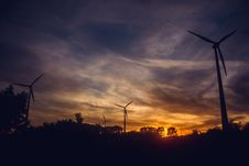 Free Black Windmills During Sunset Stock Photography - 109908792