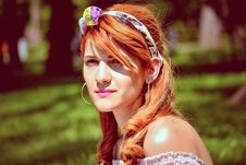 Free Woman Wearing Headband Royalty Free Stock Photos - 109908898